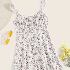 ✨3 for 20   NWOT Floral Ruffle Dress
